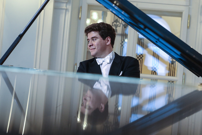 The renovation of the Rakhmaninov Hall was finished in 2016. Photo: Pianist Denis Matsuyev performs in Rakhmaninov Hall of the Moscow Concervatory, 2016