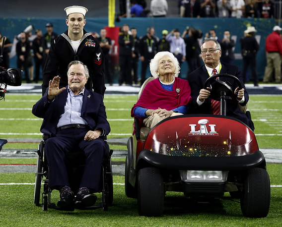 Former US President George H. W. Bush and former First Lady Barbara Bush at the NFL Super Bowl 51 football game in Houston, USA, February 5