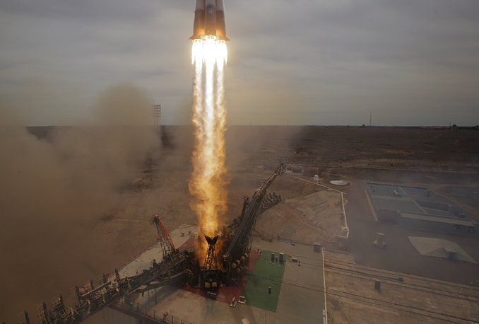 The Soyuz-FG rocket booster with Soyuz MS-04 space ship carrying a new crew to the International Space Station, ISS, blasts off at the Russian leased Baikonur cosmodrome, Kazakhstan, April 20