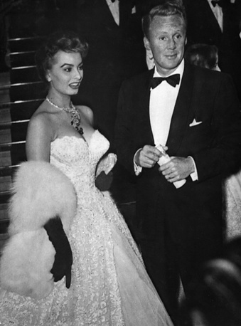Italian actress Sophia Loren and American actor Van Johnson at the 8th International Film Festival at Cannes, 1955
