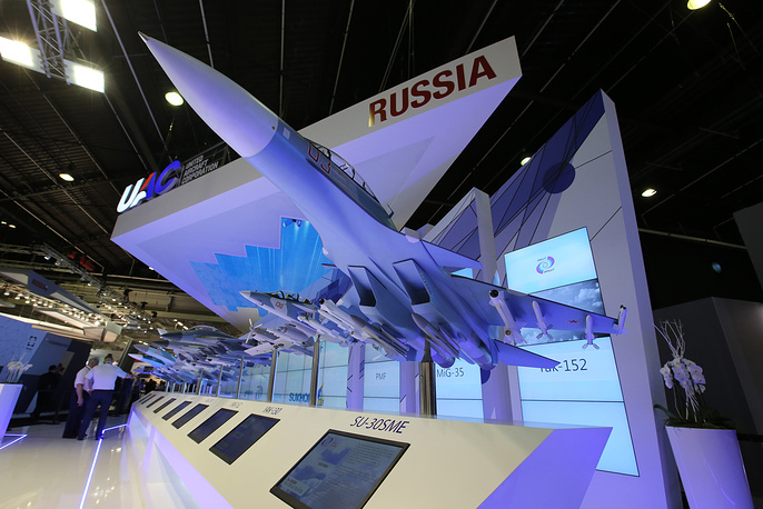 Aircraft models at the Rosoboronexport stand