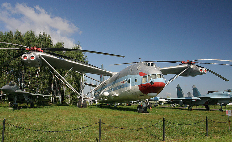 Mi-12 heavy-lift helicopter, the largest helicopter ever built