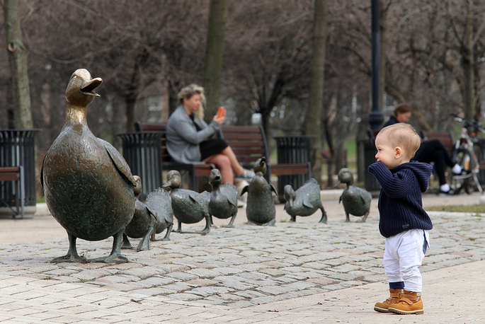 """A sculpture titled """"Make Way for Ducklings!"""" in a public garden by the Novodevichy Convent in Moscow"""