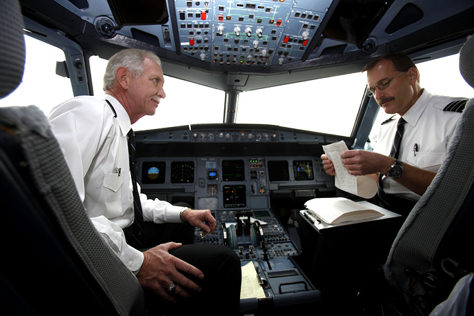 """Captain Chesley """"Sully"""" Sullenberger and 1st Officer Jeffrey Skiles"""