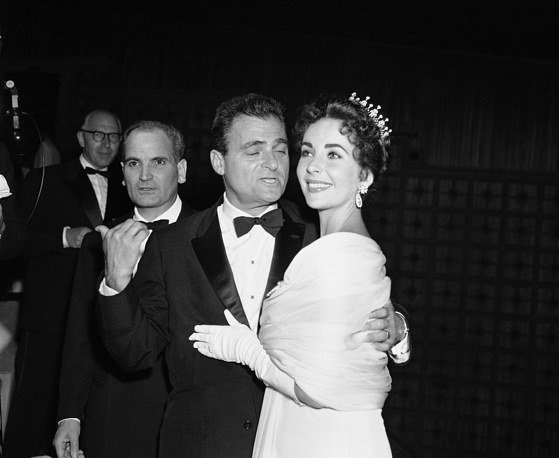 American producer Mike Todd and his wife actress Elizabeth Taylor in Cannes, 1957