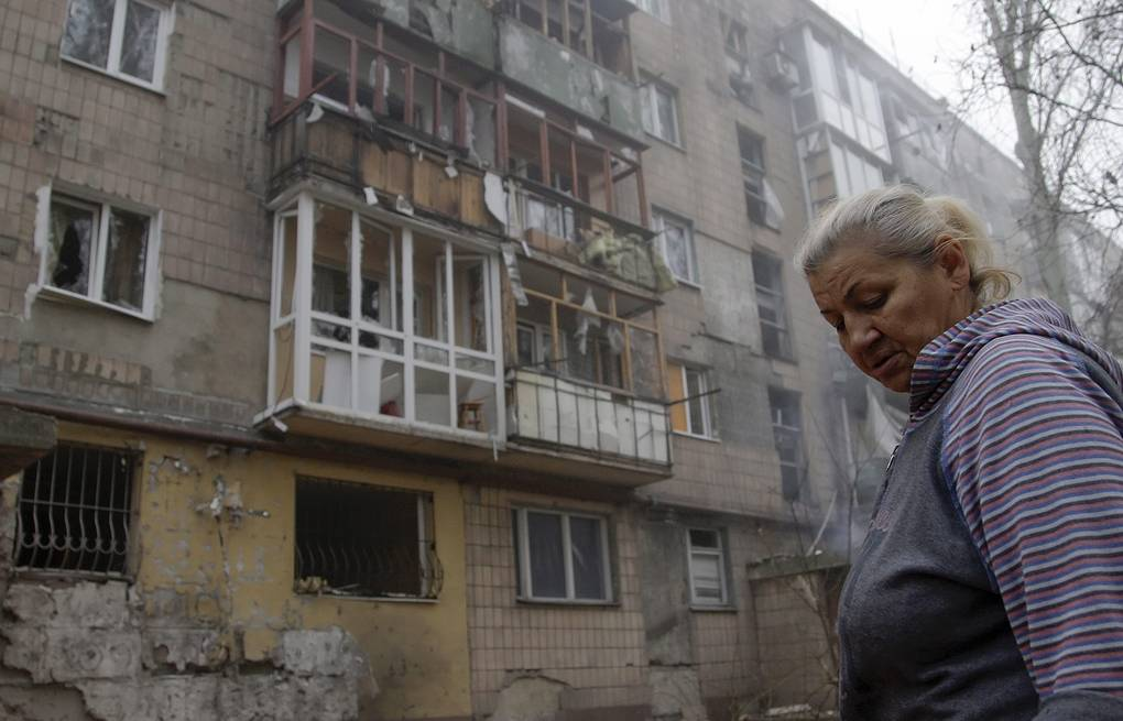 Damaged building after shelling in Donetsk (archive) EPA/ALEXANDER ERMOCHENKO