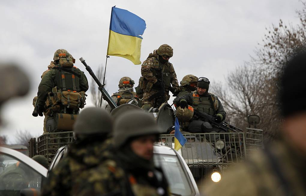 Ukrainian army soldiers  AP Photo/Sergei Chuzavkov