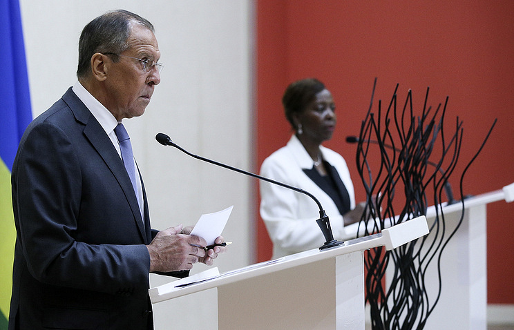 Russia's Foreign Minister Sergey Lavrov and the Minister of Foreign Affairs and Cooperation of Rwanda Louise Mushikiwabo Alexander Shcherbak/TASS