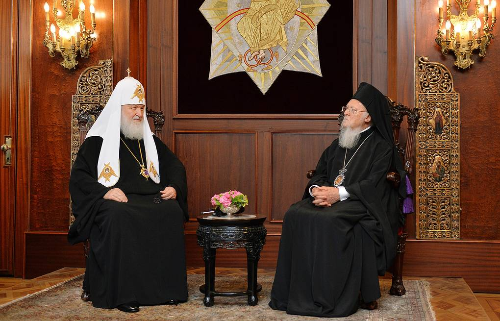 Patriarch Kirill of Moscow and All Russia and Ecumenical Patriarch Bartholomew Press Office of the Patriarch of Moscow and All Russia/TASS