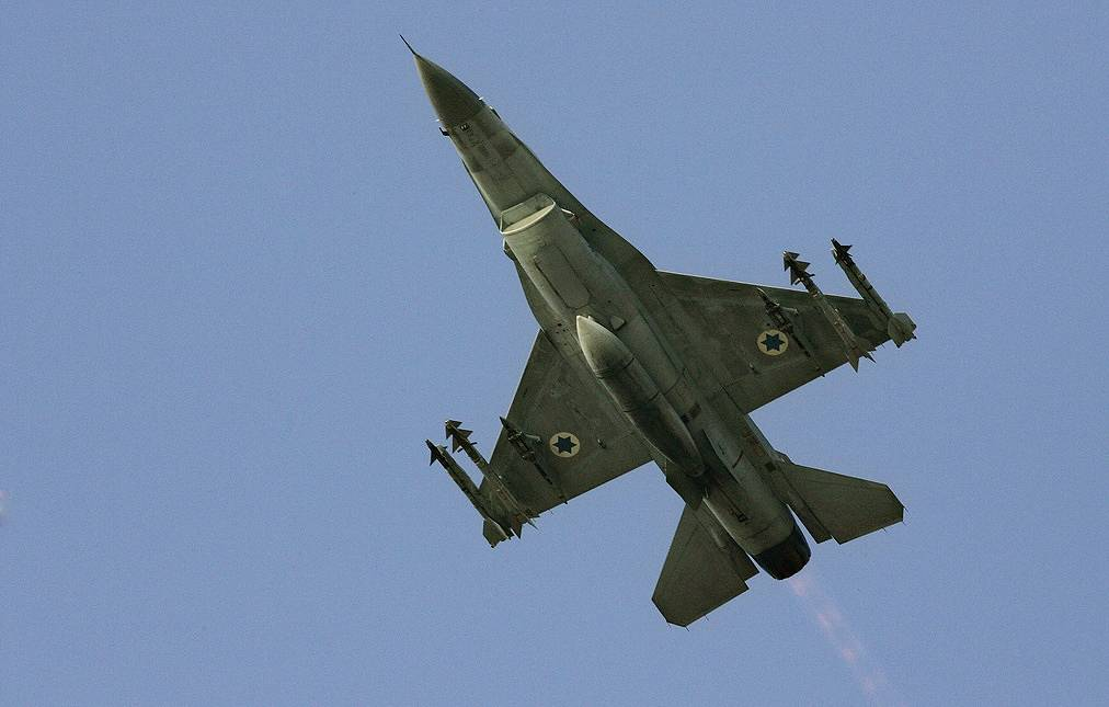 Israeli F-16 jet fighter AP Photo/Ariel Schalit
