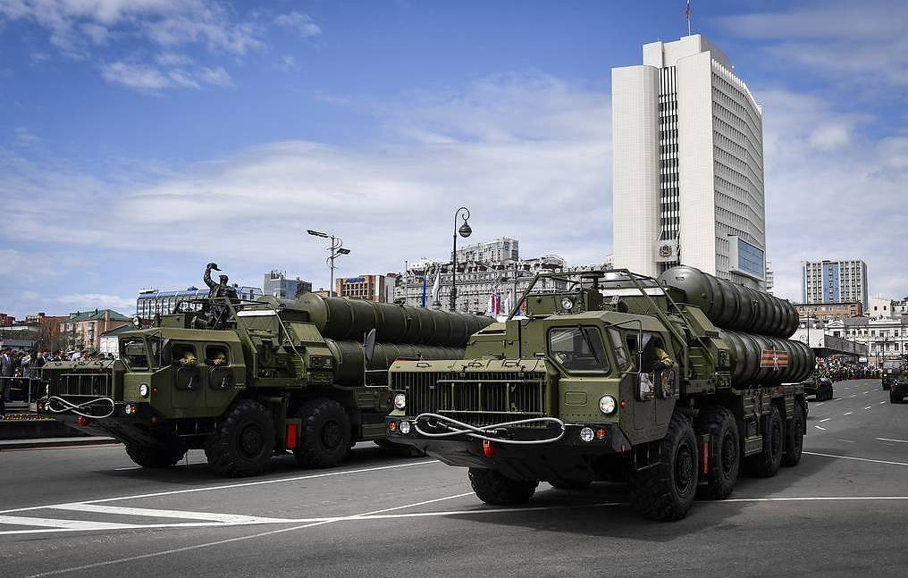 Press review: Putin, Zelensky eye swap as goodwill move and US threatens India over S-400s