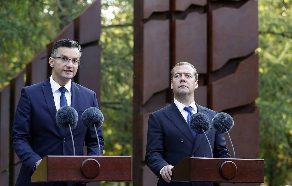 Russian, Slovenian prime ministers unveil monument to Slovenes killed in two world wars