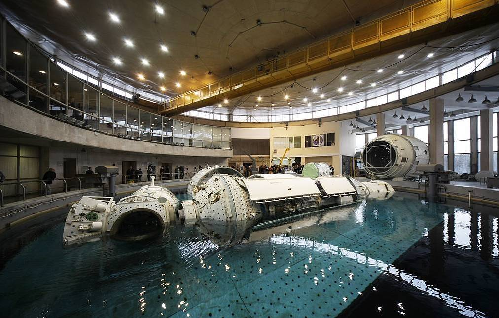 Russian cosmonaut Chub, five other astronauts to venture into cave in Slovenia