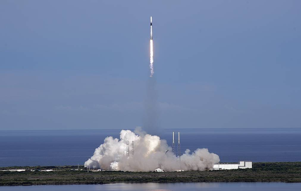 First Russian reusable carrier rocket similar to that of SpaceX to be launched in 2020