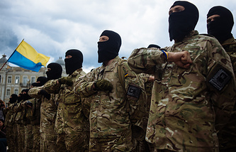 Soldiers of Ukrainian army battalion 'Azov' (archive)