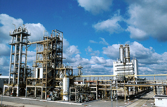 Oil-refining production site in Lisichansk (archive)