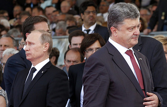 Vladimir Putin (right) and Petro Poroshenko