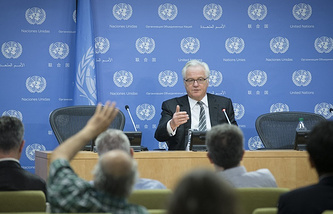 Vitaly Churkin at a news conference (archive)