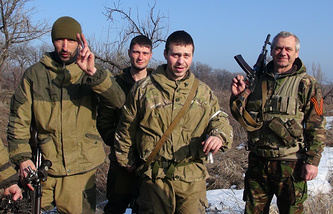 Militia fighters seen near Debaltsevo (archive)