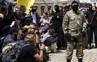 Photographers and journalists at work in Kiev (archive)