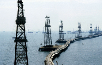 Oil and gas extraction in Azerbaijan (archive)
