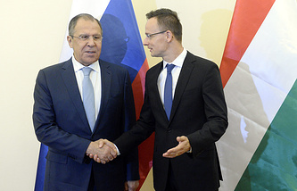 Russian and Hungarian foreign ministers Sergei Lavrov and Peter Szijjarto