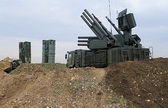 Russian Pantsyr-S1 air defense weapon system and the S-400 long-range air defense missile systems at Hemeimeem air base in Syria
