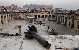 Heavily damaged mosque in Aleppo, Syria
