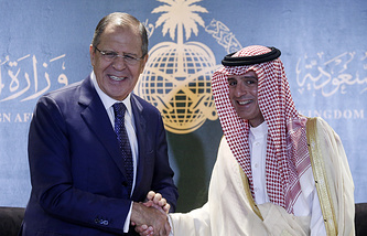 Russia's Foreign Minister Sergei Lavrov and Saudi Arabia's Foreign Minister Adel bin Ahmed Al-Jubeir