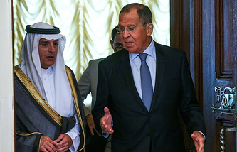 Saudi Foreign Minister Abdel Al-Jubeir and Russian Foreign Minister Sergei Lavrov