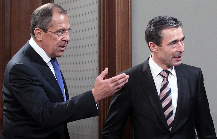 Russian Foreign Minister Sergei Lavrov and NATO Secretary General Anders Fogh Rasmussen