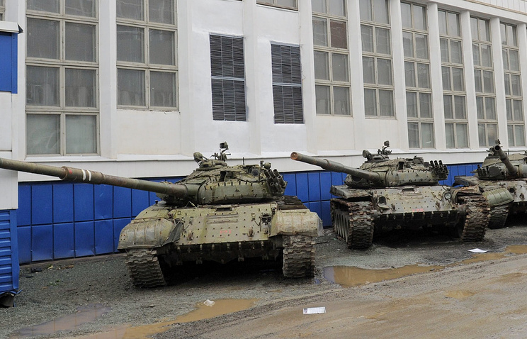 Tanks standing near Uralvagonzavod factory (archive)
