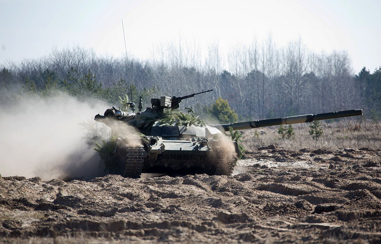 Military exercises of Ukrainian troops near Chernigiv