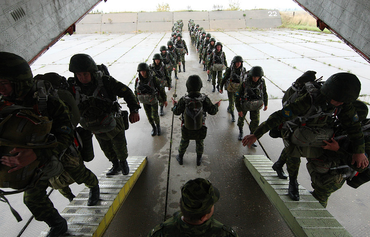 Russian airborne troops during drills (archive)