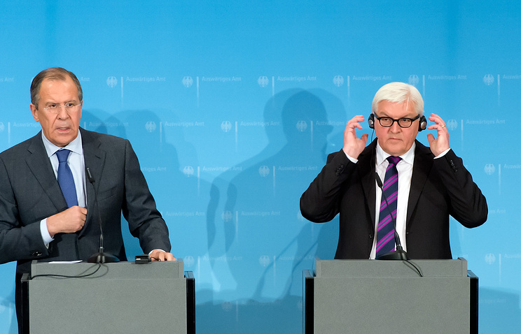 Russian Foreign Minister Sergei Lavrov and his German counterpart Frank-Walter Steinmeier