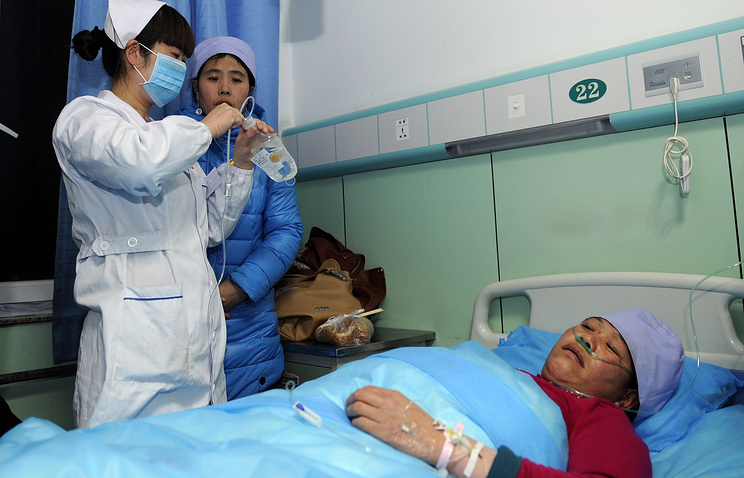 Medical treatment in chinese hospital (archive)