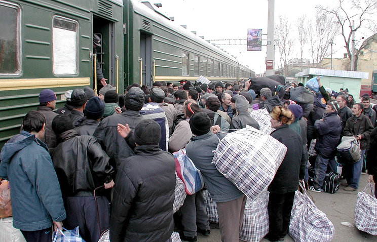 A train before leaving Astrakhan for Dushanbe