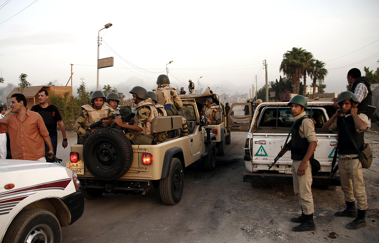 Egyptian security forces in the town of Kerdasa, Egypt (archive)