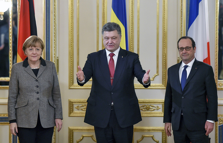 German Chancellor Angela Merkel, Ukrainian President Pyotr Poroshenko and French President Francois Hollande