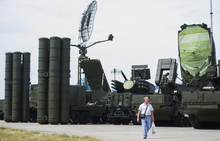 An S-400 air defense system seen at an arms show in Russia