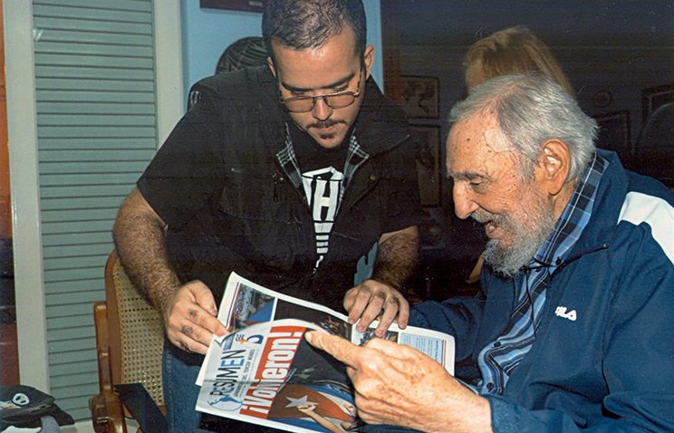 Former Cuban President Fidel Castro during a meeting with student leader of the University Student Federation of Havana, 23 January 2015