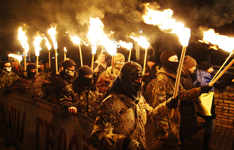 Nationalists march in Kiev, January 2015