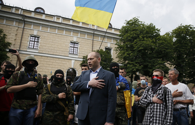 Dmytro Yarosh and Right Sector activists