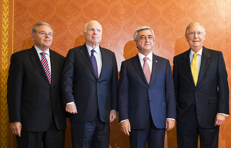 From left, Sen. Robert Menendez, Sen. John McCain, Armenian President Serzh Sargsyn and Senate Majority Leader Mitch McConnell, May 5