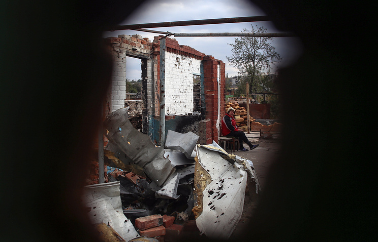 Destroyed building after fighting between Ukrainian forces and militias in eastern Ukraine