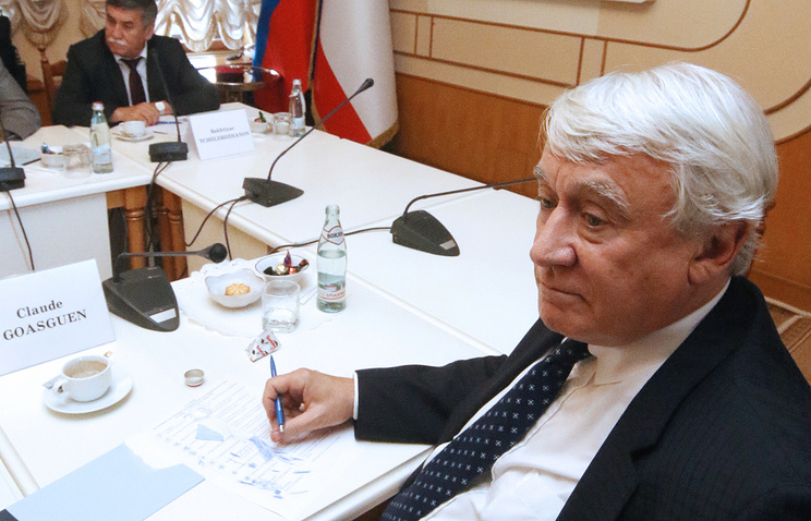 Member of the French parliamentary delegation visiting Crimea Claude Goasguen