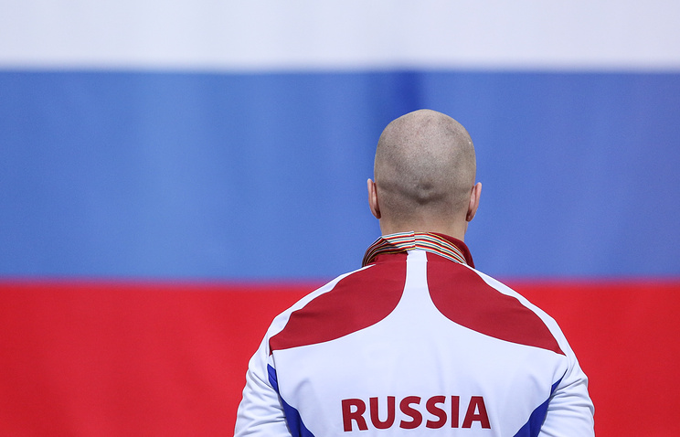 Russian speed skater Pavel Kulizhnikov at the awarding ceremony in Kolomna, Feb. 2016