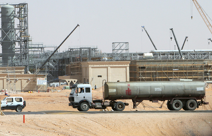 Khurais oil field, about 160 km from Riyadh, Kingdom of Saudi Arabia