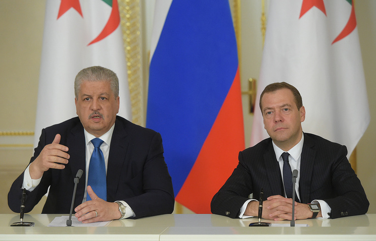 Algeria's and Russian Prime Ministers Abdelmalek Sellal and Dmitry Medvedev