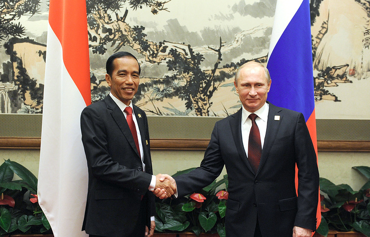 Indonesian President Joko Widodo and Vladimir Putin, 2014